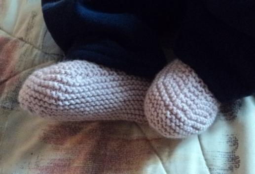 booties in light pink cashmerino (Debbie Bliss)